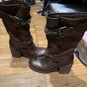 Vera Wang mid calf boots